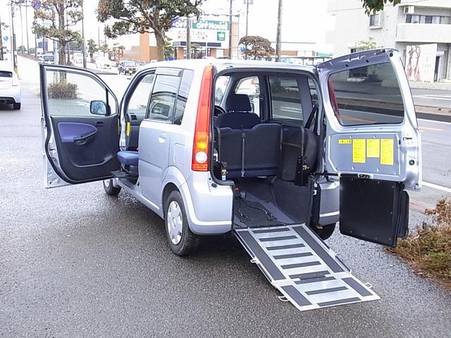 ダイハツ 福祉車輌 助手席回転シート スローパー