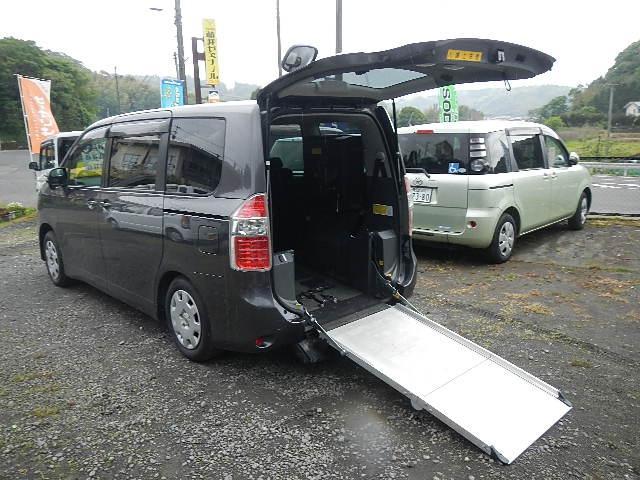 トヨタ X Lセレクション スロープタイプ 車いす2脚仕様
