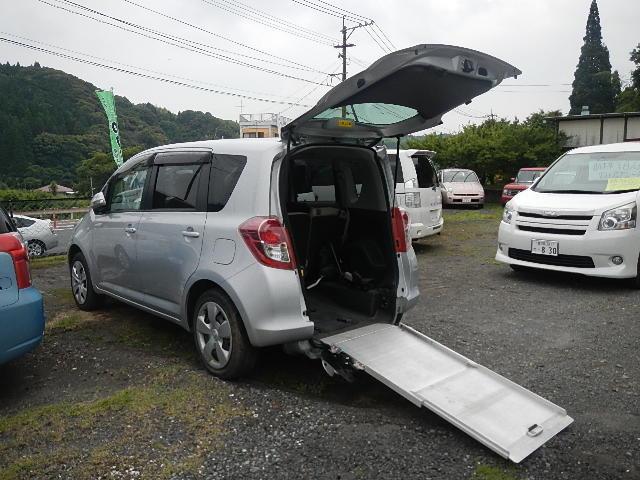 トヨタ X 車いす仕様車 スロープタイプ 助手席側リヤシート付