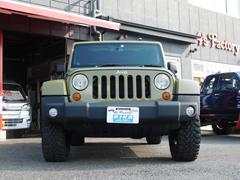 ジープ・ラングラーアンリミテッドサハラ 4WD ディーラー車 右ハンドル センターデフロック