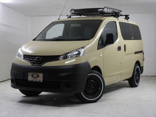 日産 DX VAN-LIFE車中泊仕様 5人乗り 5速MT 新品ホワイトレタータイヤ4本取付済 室内ウッド調インテリアLED照明