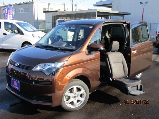 トヨタ Xウェルキャブ 4WD 助手席リフトアップ 車いす収納装置