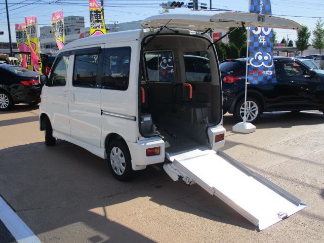 ダイハツ スローパー4WD 電動ウインチ 車いす1台可能 福祉車両