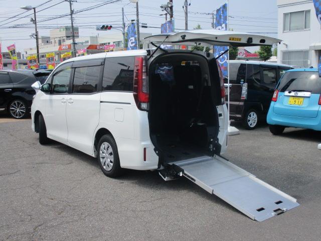 トヨタ ウェルキャブ 車いす2台 車高調節機能 福祉車両