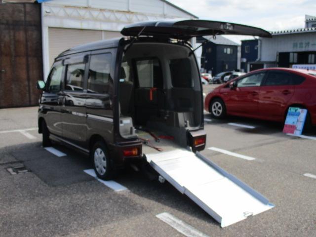 ダイハツ スローパーリアシートレス補助席仕様 4WD 福祉車両