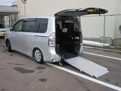 ヴォクシー ウェルキャブ スロープ 福祉車両 電動スロープ 電動ウインチ 車いす固定装置3列目手動 2列目電動