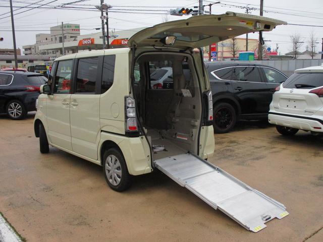 ホンダ N-BOX+  車いすスロープ 4WD 福祉車両 電動ウインチ ウインチリモコン 車いす固定装置手動タイプ