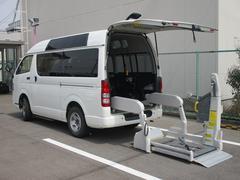 ハイエースバン ウェルキャブ 4WD 福祉車両 電動リアリフト 車いす2基 天窓 オートステップ