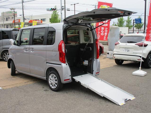 ホンダ N-BOX G・スロープ 4WD 福祉車両 電動ウインチ 車いす固定装置手動タイプ