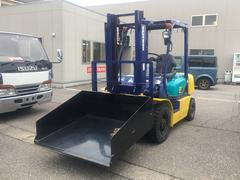 日本コマツフォークリフト 2トン ガソリン バケツ付き