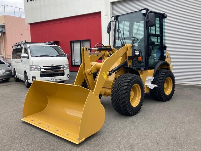 日本その他 日本  CATホイルローダー 除雪仕様車 ラジオ付き 42馬力 ヒーター付き