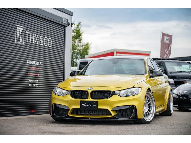 BMW M3 オースチン・イエロー Pokal20インチ鍛造ホイール アクラポマフラー エヴォリューションリンクパイプ サウンドキット(可変バルブ)  KW DDC 車高調 Mパフォカーボンパーツフル スロコン