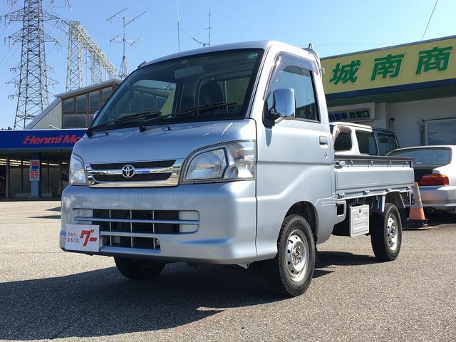 トヨタ 4WD  オートマ CD MD