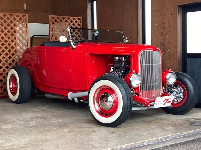 フォード  FORD MODEL-B 1932 DEUCE ROADSTAR FLAT HEAD V8
