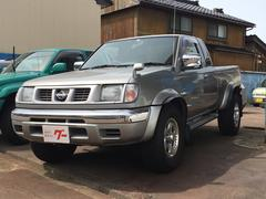 ダットサンピックアップAX 4WD AW16インチ CD SUV フロア4AT