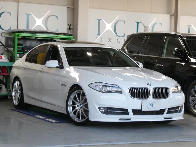 BMW 5シリーズ 528i サンルーフ 19インチアルミ ローダウン フロントスポイラー 黒本革パワーシート 純正HDDナビ 地デジフルセグTV DVDビデオ再生 走行中視聴可能 シートヒーター バイキセノン ミラーETC
