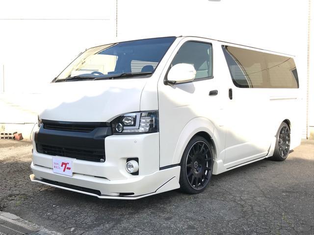 トヨタ ハイエースバン マットホワイトパール LEDヘッドライト 4WD