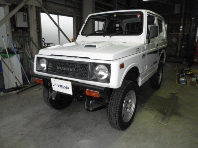スズキ ジムニー HC 4WD 5速マニュアル エアコン有り ターボエンジン 背面タイヤ有り スペリアホワイト JA11型 運転席シートカバー破れ有り