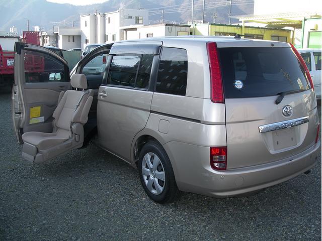 トヨタ 介護福祉助手席リフト車 ETC