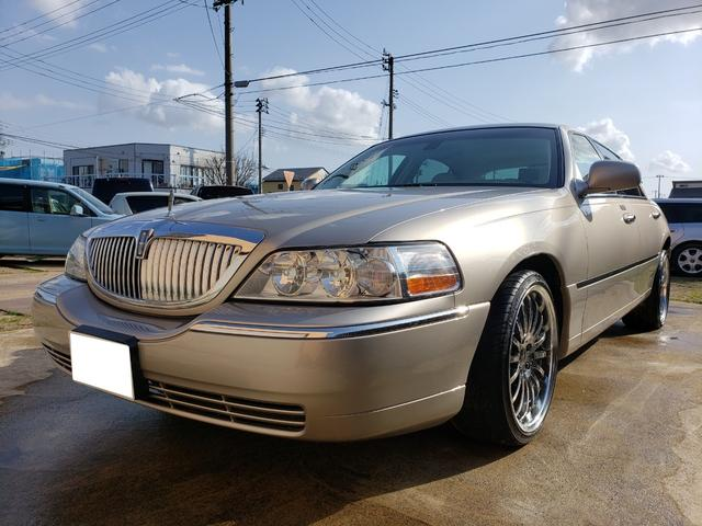 LINCOLN LINCOLN TOWNCAR