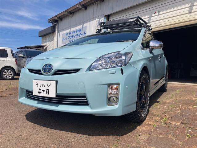 トヨタ Gツーリングセレクションレザーパッケージ ルーフレール アルミホイール アイドリングストップ 革シート リフトアップ