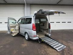 セレナチェアキャブ スローパー 助手席リフトアップ 福祉車両