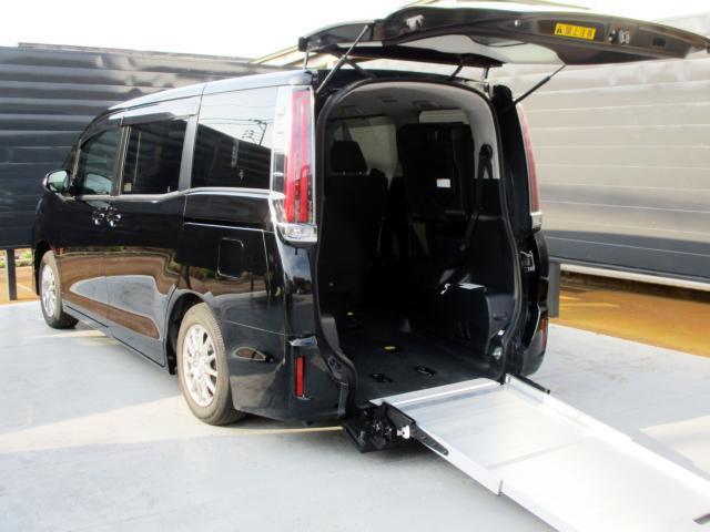 トヨタ X 7人乗り 4WD 禁煙車 車いす仕様車 サードシート付 純正ナビTV バックモニター 両側パワースライドドア クルーズコントロール LEDヘッドライト