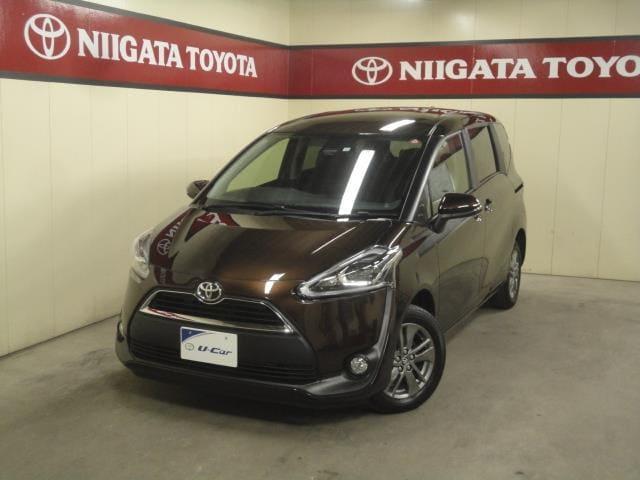 トヨタ Gクエロ/4WD/ナビBカメラ/シートヒーター/両側PSドア