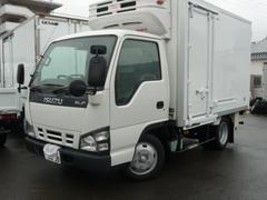 エルフトラック2トン低温冷凍車スタンバイ