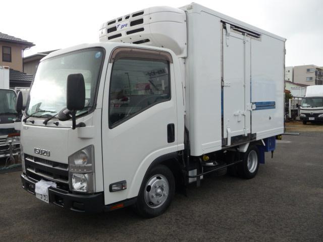 いすゞ エルフ2トン低温冷凍車スタンバイ