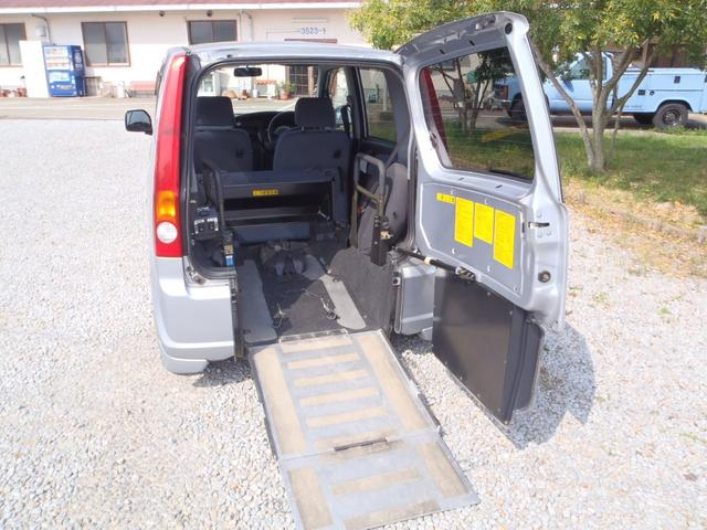 ダイハツ 車椅子福祉車両