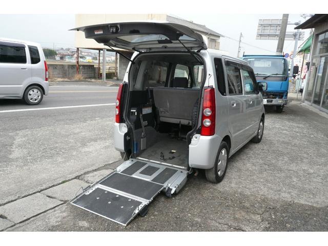 マツダ 福祉車両 車椅子固定装置