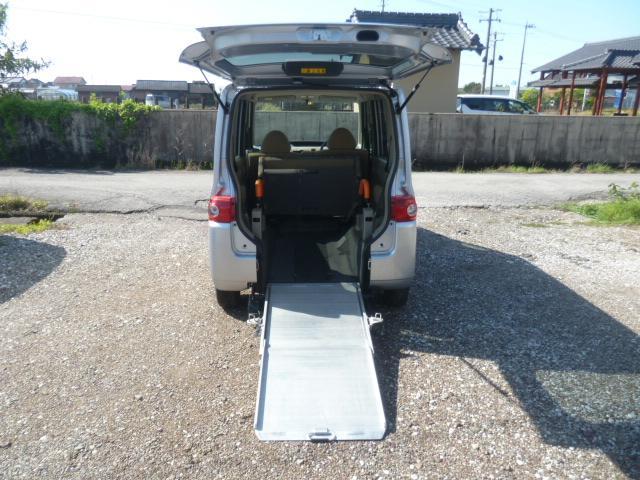 ダイハツ L 福祉車両 スロープ 車椅子電動固定装置