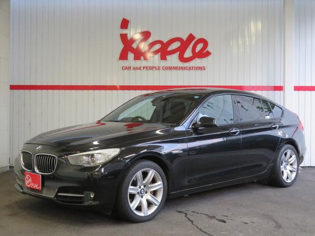 BMW 535iグランツーリスモ 禁煙車 サンルーフ 黒革シート パノラミックビューモニター パワーバックドア メモリーパワーシート シートヒーター バックモニター ソナー HID オートヘッドライト 電動チルトハンドル