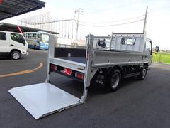 エルフトラック4トン 標準セミロング 垂直パワーゲート