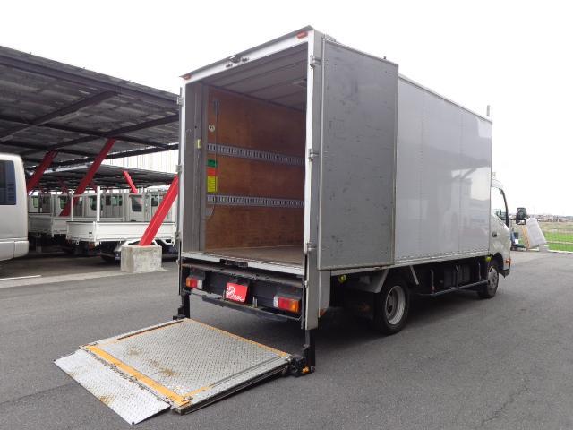 トヨタ 2トン パネルバン 引き出しリフト