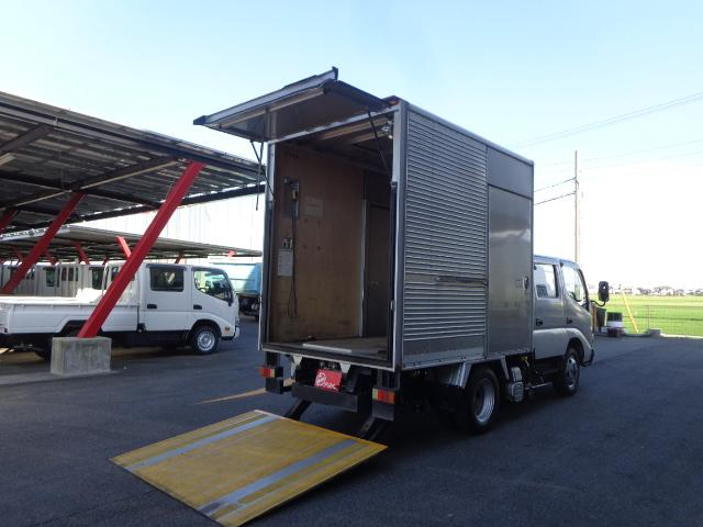 トヨタ  4WD Wキャブ アルミバン 1.9トン マルチゲート
