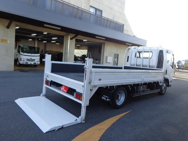 積載2トン ワイドロング 垂直パワーゲート(1枚目)