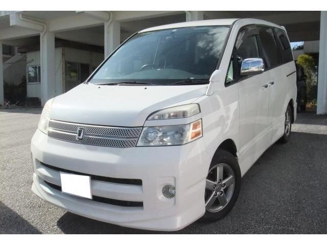 沖縄の中古車 トヨタ ヴォクシー 車両価格 35万円 リ済別 平成18年 14.2万km ホワイトパールマイカ