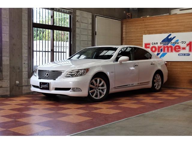 沖縄の中古車 レクサス LS 車両価格 135万円 リ済別 平成20年 10.6万km ホワイトパールクリスタルシャイン