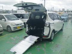 沖縄の中古車 トヨタ シエンタ 車両価格 175万円 リ済込 平成28年 1.3万K パールホワイト