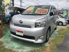 沖縄の中古車 トヨタ ヴォクシー 車両価格 45万円 リ済込 平成19年 13.9万K シルバー