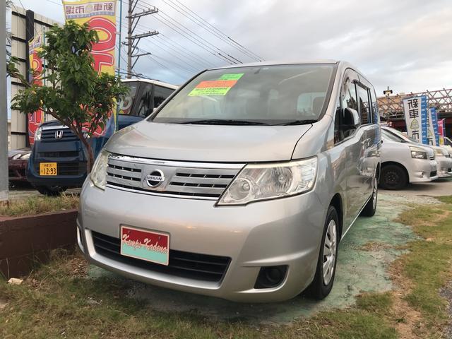 沖縄の中古車 日産 セレナ 車両価格 49万円 リ済込 平成22年 11.9万km シルバー