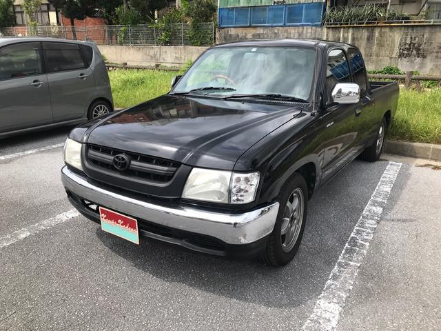 沖縄の中古車 トヨタ ハイラックススポーツピック 車両価格 95万円 リ済込 2001(平成13)年 25.6万km ブラック