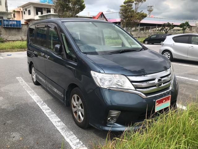 沖縄の中古車 日産 セレナ 車両価格 39万円 リ済込 2011(平成23)年 16.2万km 薄ブルーグレー