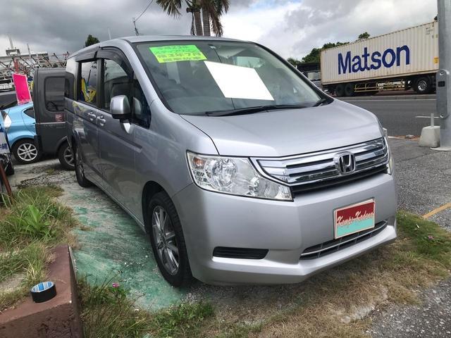 沖縄の中古車 ホンダ ステップワゴン 車両価格 38万円 リ済込 2011(平成23)年 14.1万km シルバー