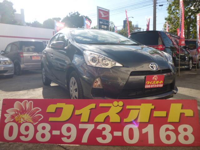 沖縄の中古車 トヨタ アクア 車両価格 79万円 リ済込 2013(平成25)年 7.7万km ガンM