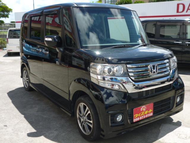 沖縄の中古車 ホンダ N-BOX+カスタム 車両価格 82万円 リ済込 2014(平成26)年 7.3万km ブラックM