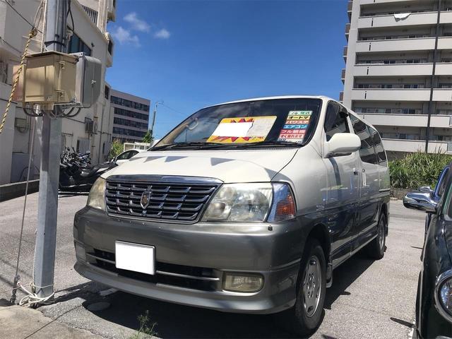 沖縄の中古車 トヨタ グランドハイエース 車両価格 55万円 リ済込 2002(平成14)年 19.5万km ホワイトII