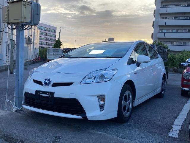 沖縄の中古車 トヨタ プリウス 車両価格 79万円 リ済込 2013(平成25)年 5.5万km パールホワイト